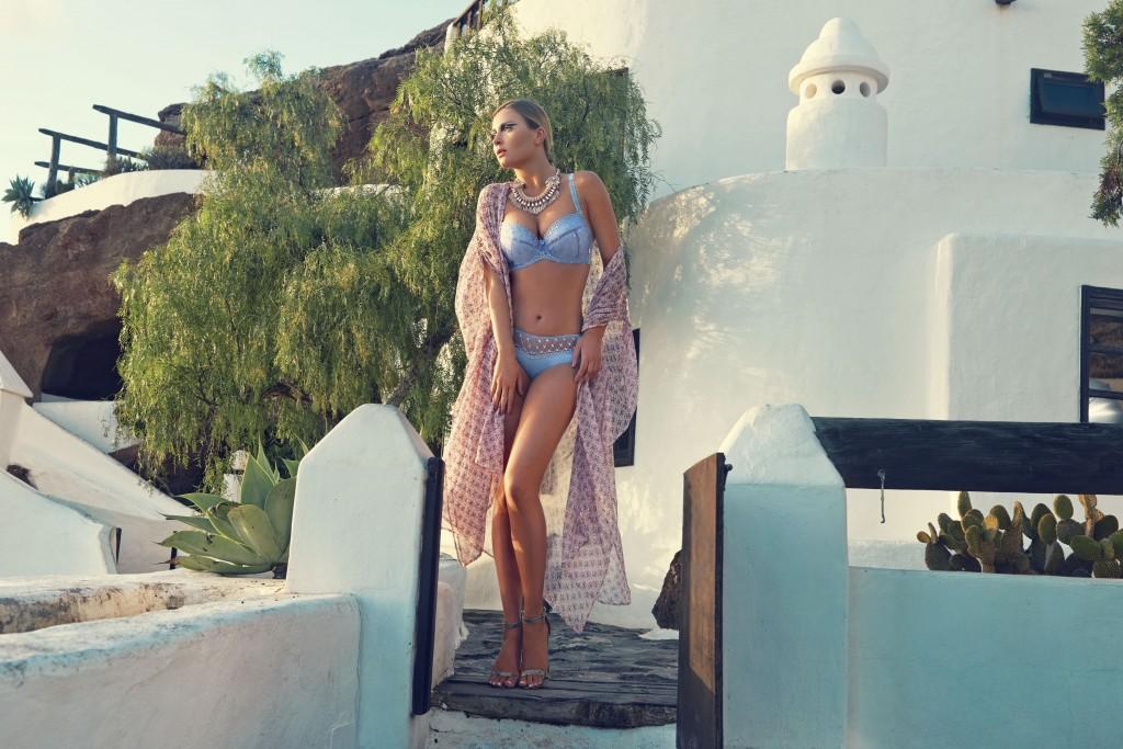 Bielizna Damska  Tylko błękit -  modowe inspiracje