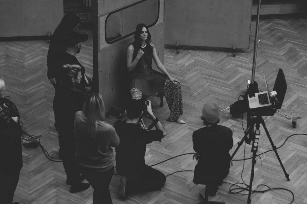 Moda Damska  Backstage Caterina wiosna/lato 2016