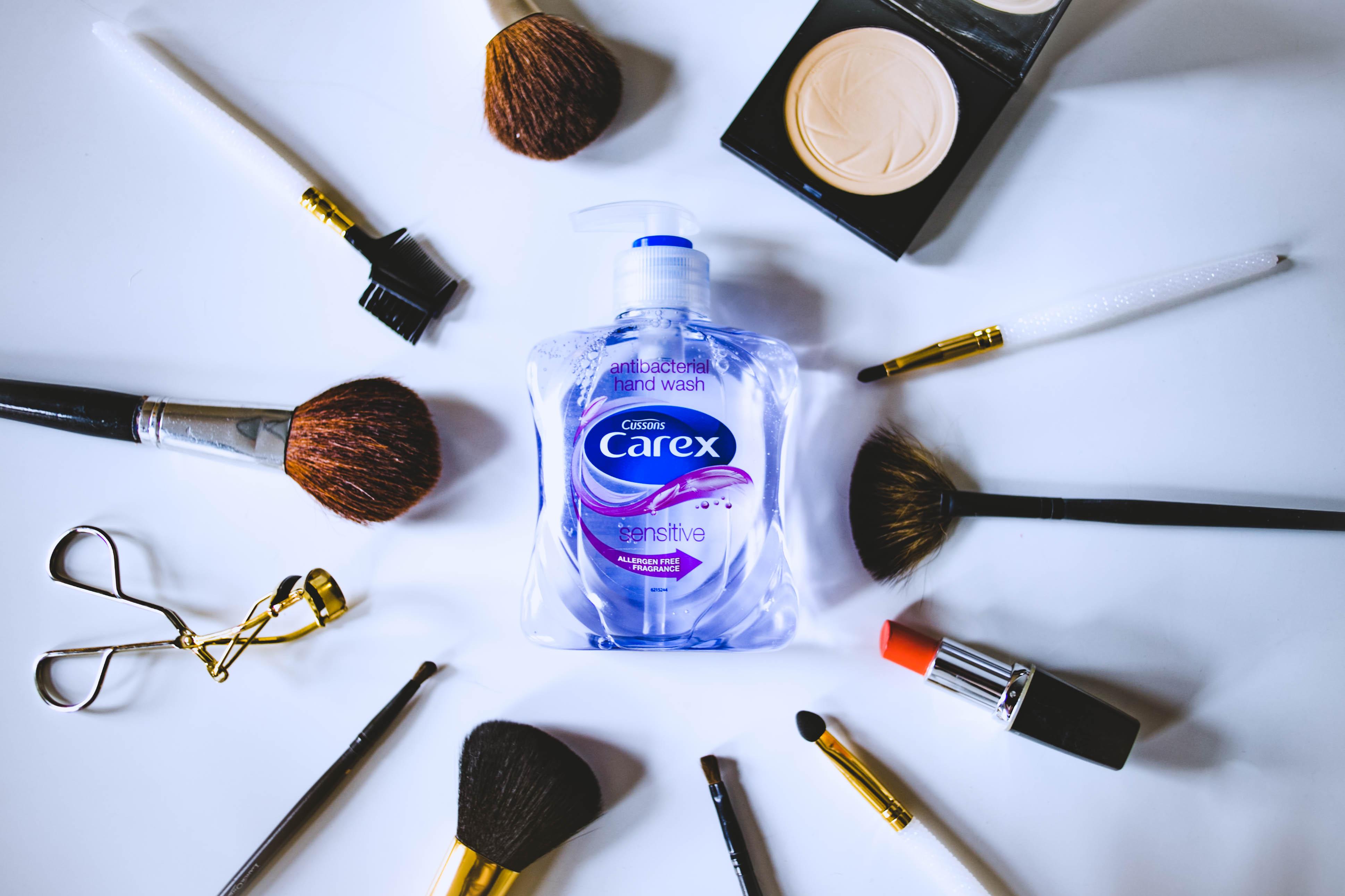 Uroda  Kosmetyczny niezbędnik Carex, czyli jak prawidłowo dbać o akcesoria do makijażu?