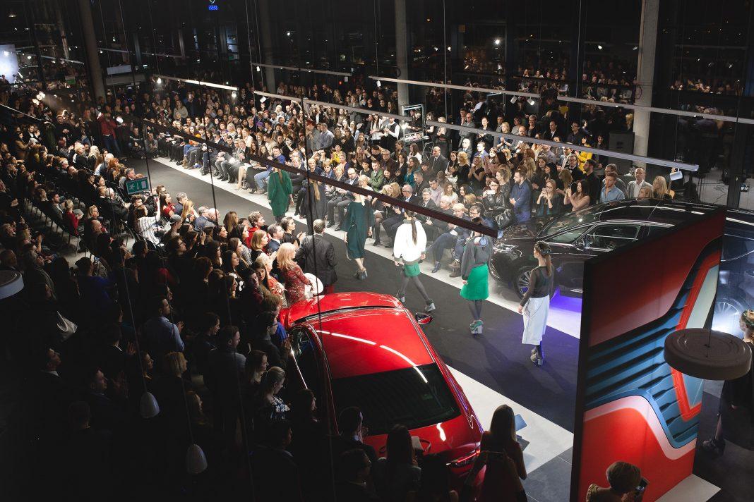 Wydarzenia  Pokaz mody na otwarcie salonu samochodowego