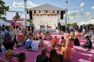 Dzień Różowej Wstążki – AVON kontra Rak Piersi