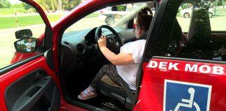 Auta sterowane joystickiem, a w przyszłości głosem pomogą niepełnosprawnym, nawet z paraliżem rąk i nóg