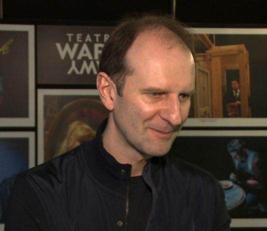 Rafał Rutkowski: Moje początki w stand-upie były trudne. Wydawało mi się, że potrafię być zabawny, a okazywało się, że jednak taki nie jestem