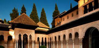Lwy Alhambra