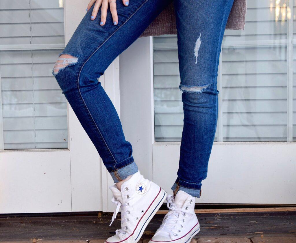 Shopping  Jakie jeansy warto kupić? Praktyczne porady