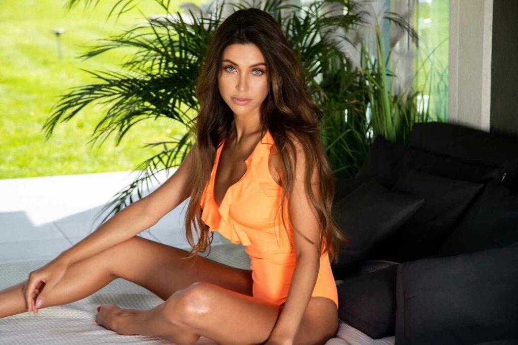 MODA PLAŻOWA  Letnie trendy w kolekcji kostiumów kąpielowych Gatta