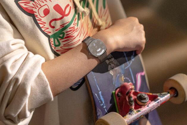 Akcesoria  Gucci przedstawia nowy projekt z zegarkiem GRIP