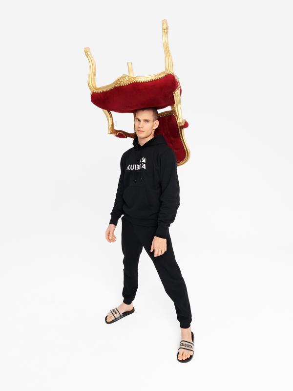 News  Premiera pierwszej kolekcji ubrań Kubota