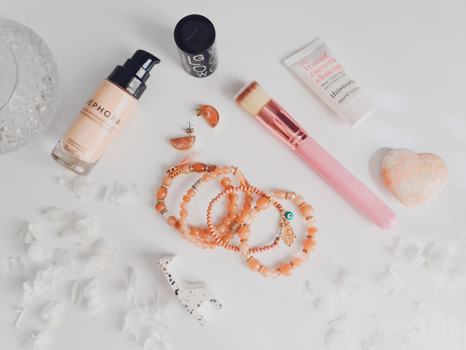 Make-up Uroda  Pędzle do makijażu – jak i do czego ich używać?