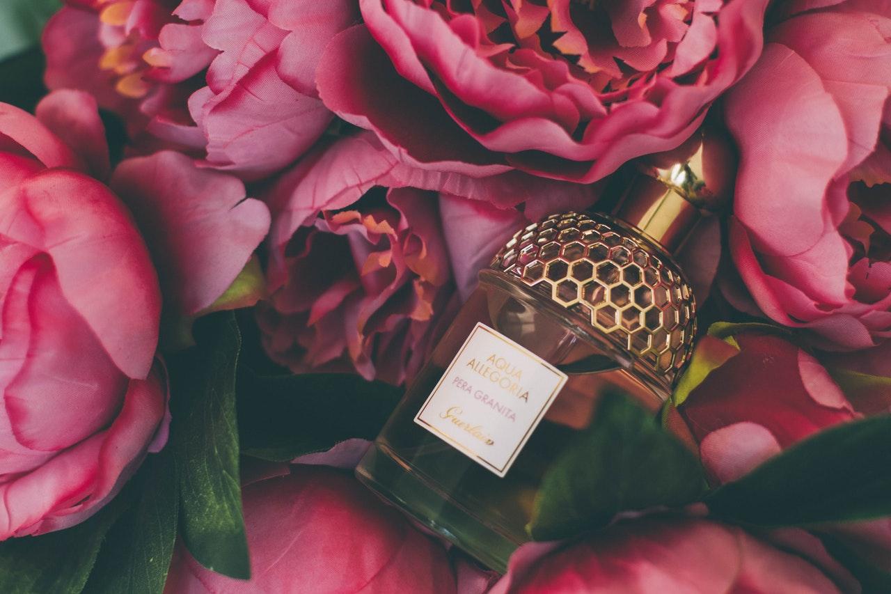 Zapach  Czym pachną jesienne perfumy?
