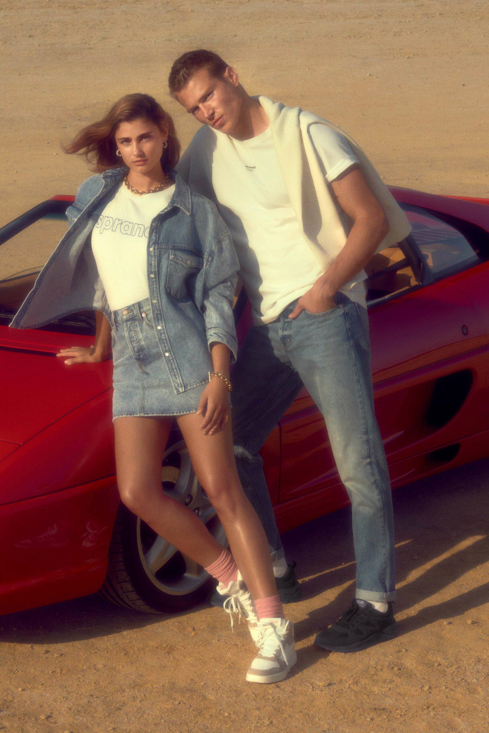 News  Być jak Cindy – Sprandi oddaje hołd latom 90. w najnowszej kampanii z Taylor Hill
